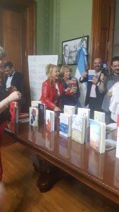 Alicia Origgi premiada por su libro